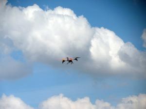 quadrocopter-394538_1920