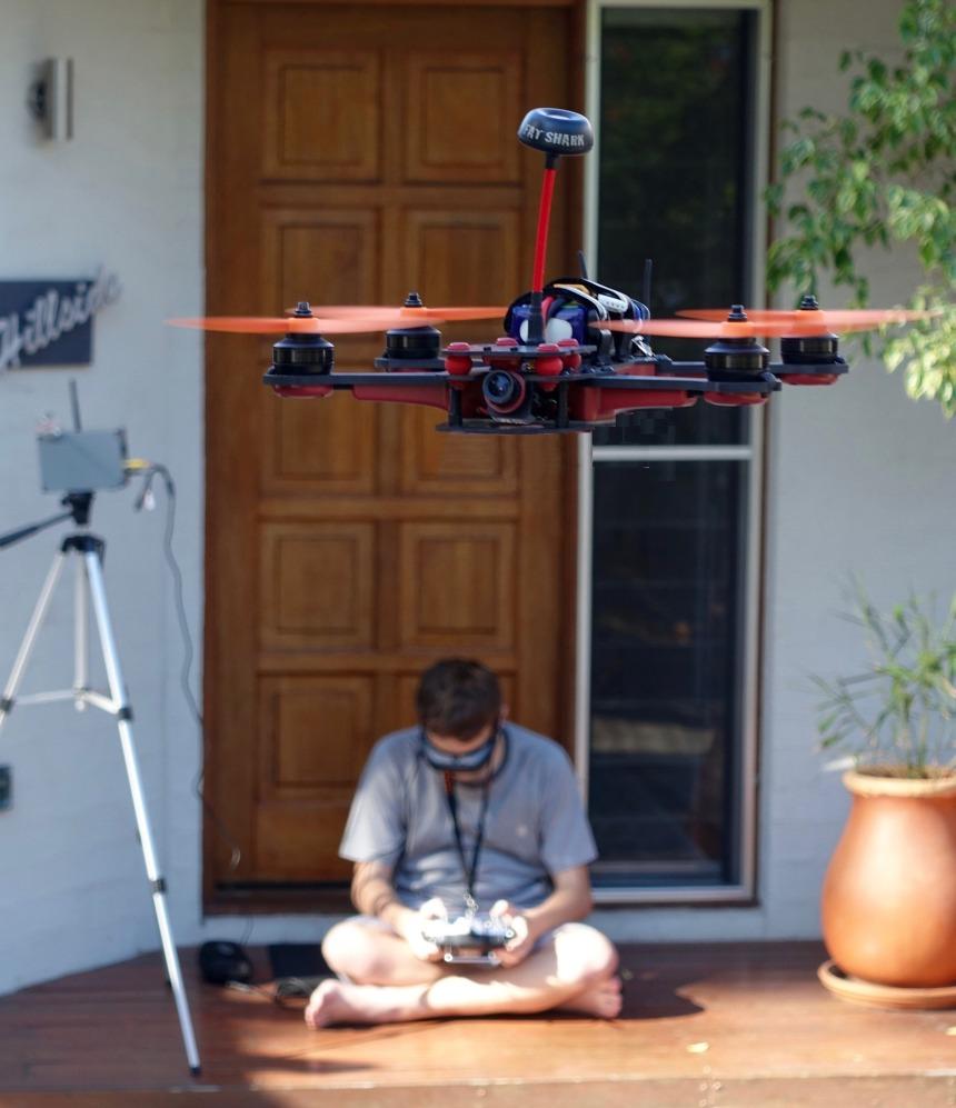 drone-1155507_1920.jpg